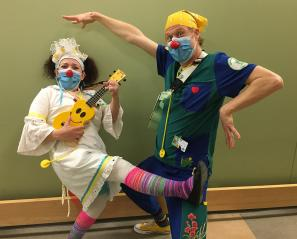 therapeutic clowns